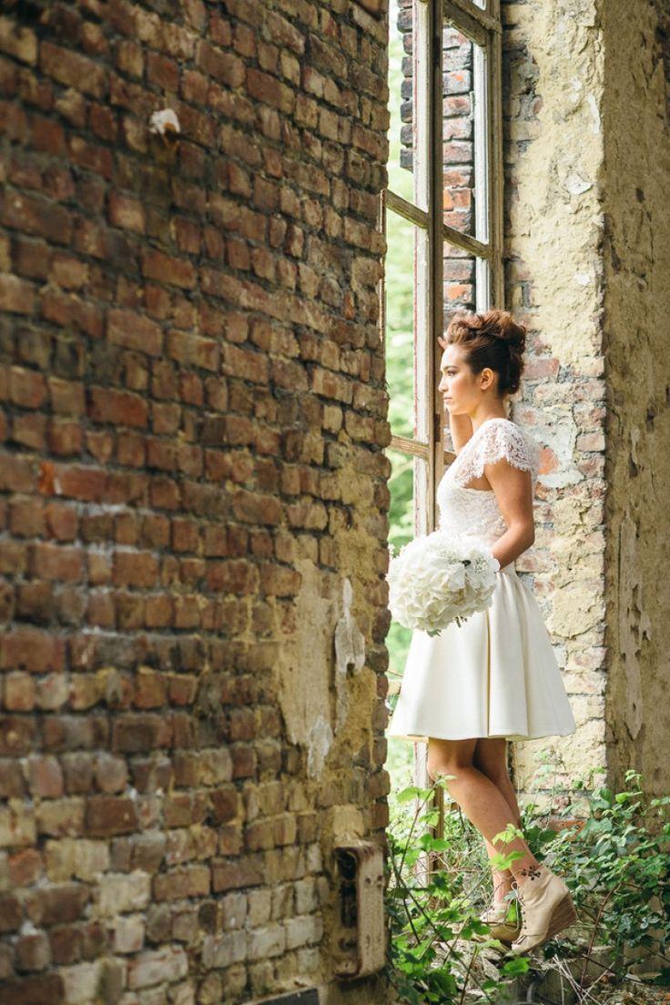 Robe de mariée - art - usine - nature - shooting extérieur