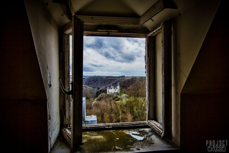 Urbex: Castle Miranda aka Château de Noisy Belgium – December 2012 .... I thought we lived in the chateau de Noisy! .... looks like the house belonging to the window is deserted, what a shame...