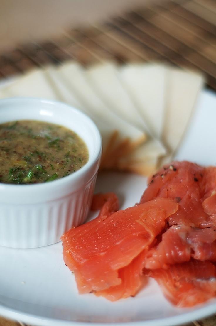 Recipe Gravlaks / Gravlax with Sweet Mustard Sauce #SwedishFood #glutenfree
