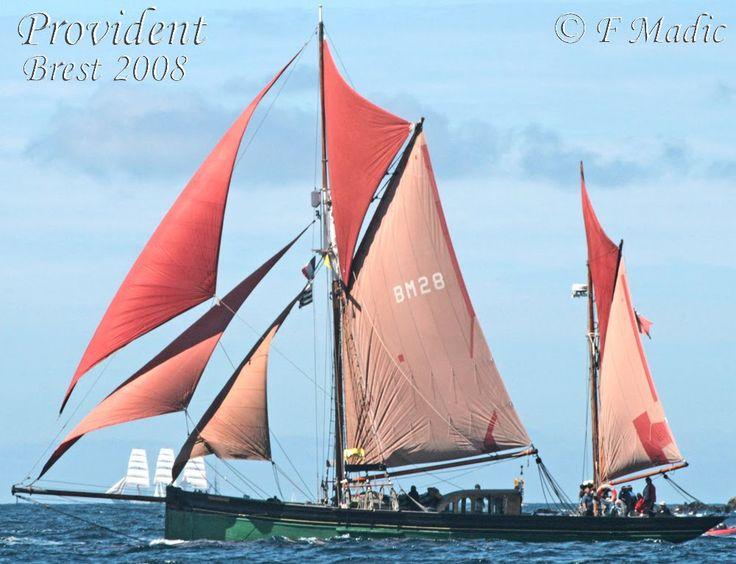 """""""Provident"""" , gréé en ketch, est un des Brixham trawlers les plus connus."""