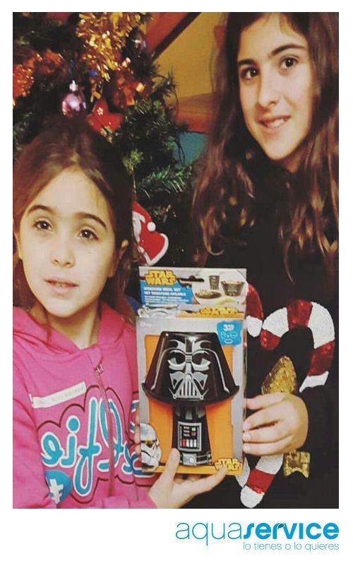 ¡Geniales! Así de contentas posan las pequeñas de David con su pack Star Wars del sorteo Aquaservice. #ganaconaquaservice