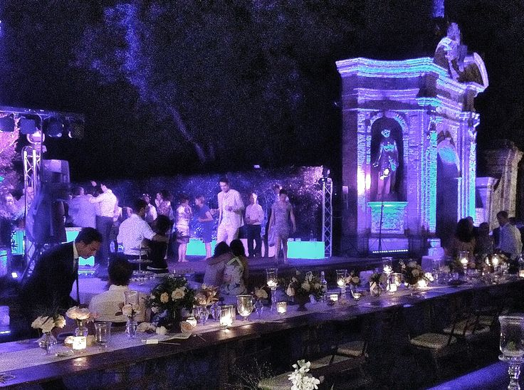 Wedding party @ Villa di Geggiano - lighting by Alma Project
