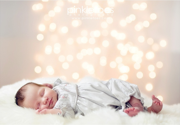 Christmas lights backdrop #newborn: Babies, Christmas Photography, Newborn Photography, Sweet, Photo Ideas, Baby Girl, Baby Photography, Photography Ideas, Picture Ideas