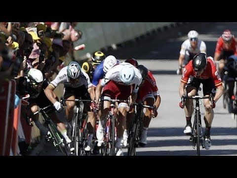 Peter Sagan derriba a Cavendish | Cuarta etapa | Tour de Francia 2017 - VER VÍDEO -> http://quehubocolombia.com/peter-sagan-derriba-a-cavendish-cuarta-etapa-tour-de-francia-2017   	 EL TOUR EXPULSA A SAGAN POR SU CODAZO A CAVENDISH.  Aunque en un principio la sanción era de 30 segundos, finalmente la organización de la ronda gala ha decidido apartar al eslovaco de la carrera	 Créditos de vídeo a Popular on YouTube – Colombia YouTube channel