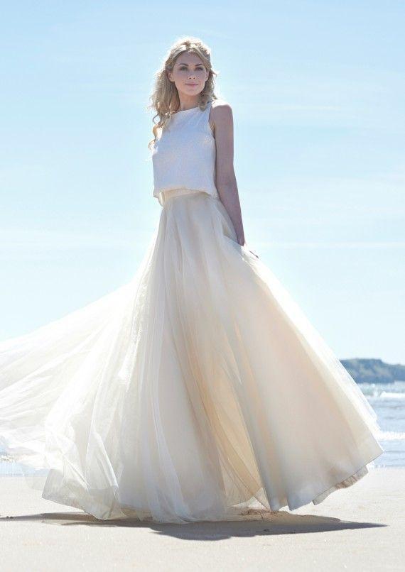 大流行の予感♡ツーピースのウェディングドレスが可愛くってエレガント♩*にて紹介している画像