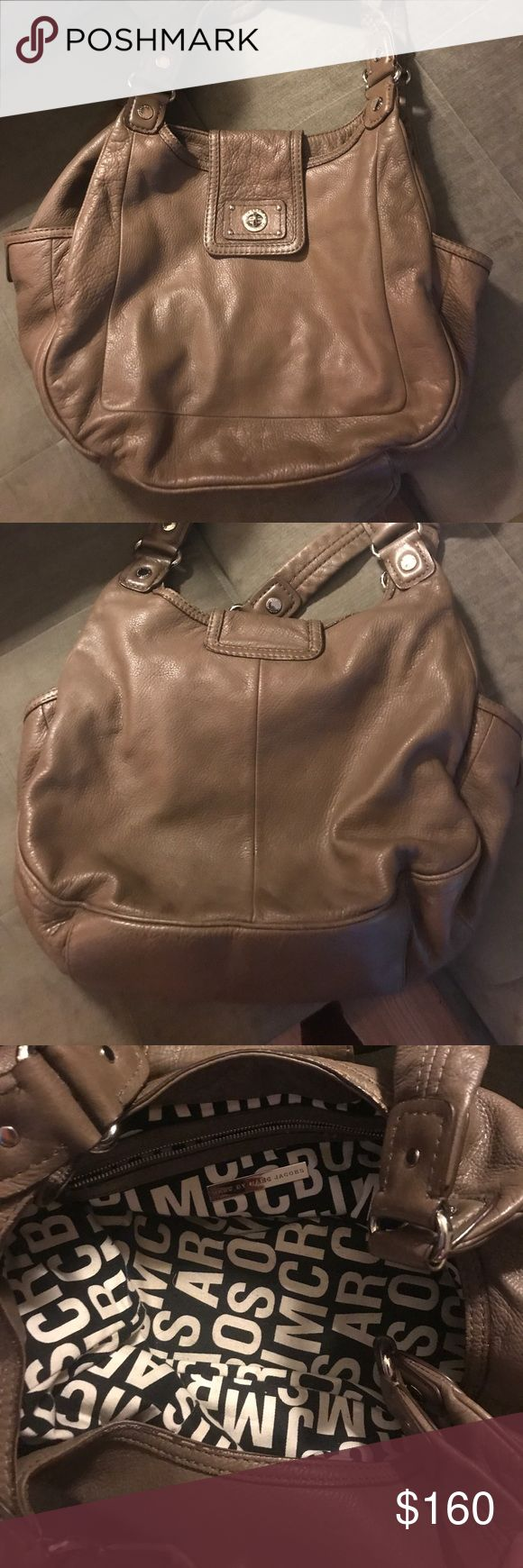 Marc Jacobs purse Brown Marc Jacobs purse. Used but taken care of with lots of love Marc Jacobs Bags Satchels