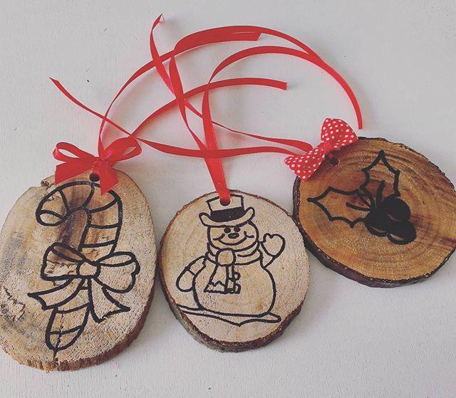 Decorazioni natalizie! 3x15€ #decorazioni #decorazioninatalizie #madeinitaly #homemade #homemadewithlove #instalike #instaitaly #instagood #instadaily #picofday #photooftheday #italia #italy #like4like #follow4follow #tagsforlikes #mylife #myjob #lovely #love