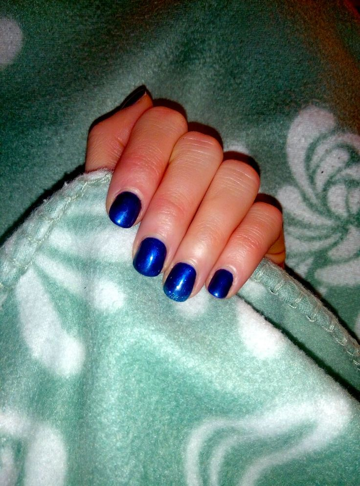 dark blue. glittet nails. short manicure. short nails. dark nails. winter nails.