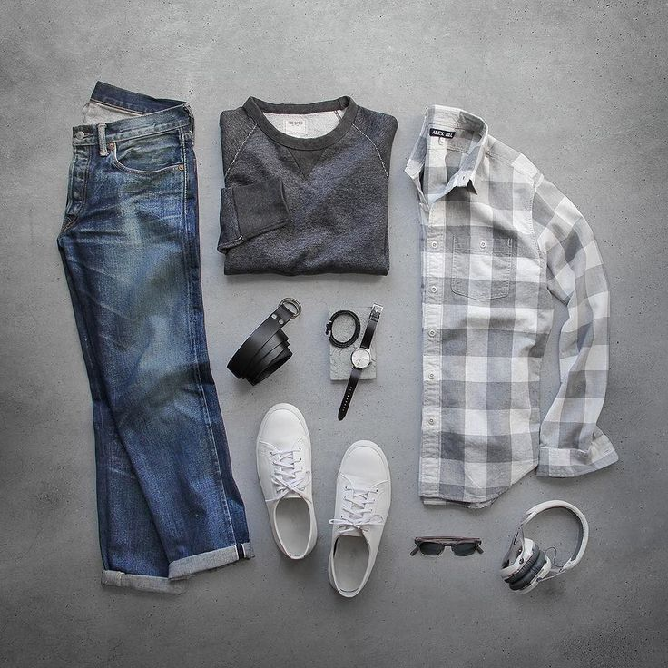 Today outfit of thepacman: Fade to grey. Shirt: @alexmillny Heather Grey Buffalo Chore Sweatshirt/Belt: @toddsnyderny Shoes: @rancourtco Court Classic Low Denim: RRL @ralphlauren Watch: @uniformwares C40 Bracelet: @miansai Glasses:...