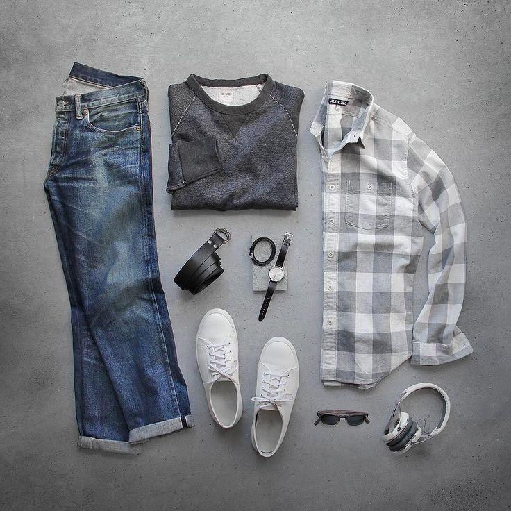Today outfit of thepacman: Fade to grey. Shirt: @alexmillny Heather Grey Buffalo Chore Sweatshirt/Belt: @toddsnyderny Shoes: @rancourtco Court Classic Low Denim: RRL @ralphlauren Watch: @uniformwares C40 Bracelet: @miansai Glasses:...