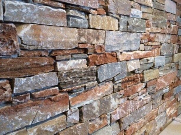 Alsof het een oude muur betreft : Tesu steenstrips. Wie heeft er nu geen muur in zijn woning waar dit prachtig op uit komt ? Woningen, winkels, Horeca...eigenlijk overal toepasbaar...