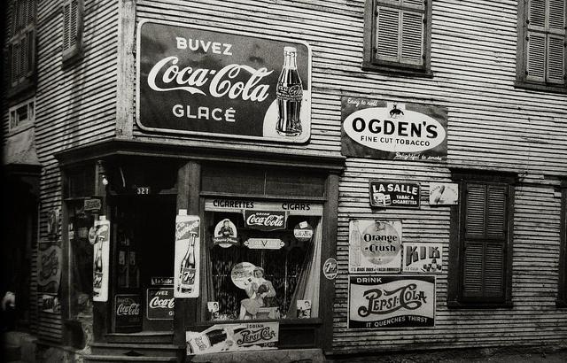Montréal 1945. Rue Saint-Ferdinand.