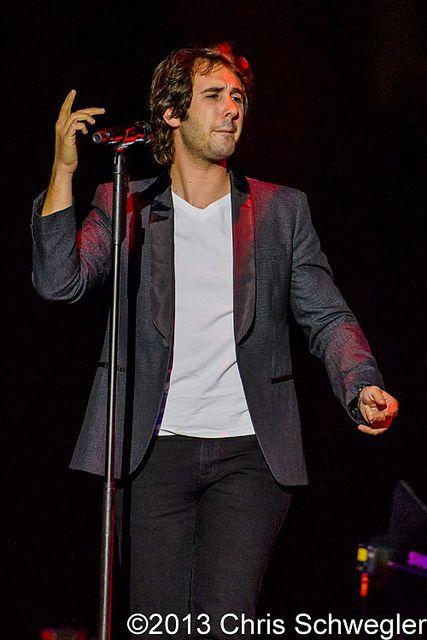 Josh Groban @ In The Round Tour, The Palace Of Auburn Hills, Auburn Hills, MI - 10-24-13 by schwegweb, via Flickr