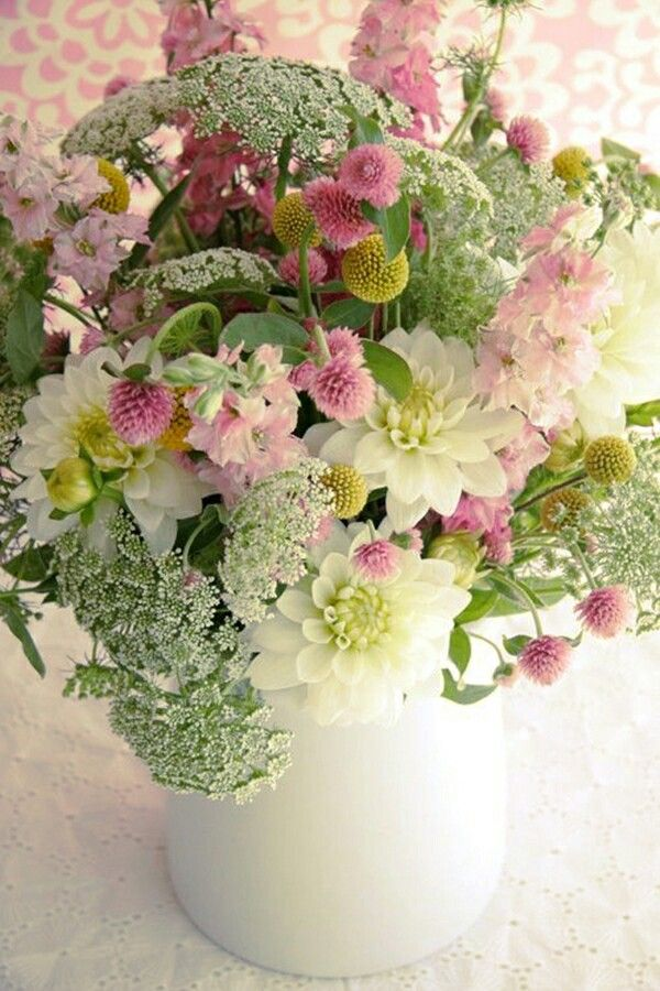 oh I'm in LOVE with the colors in this bouquet!