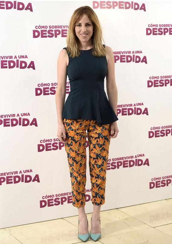Celia de Molina con pantalones de Dolores Promesas.