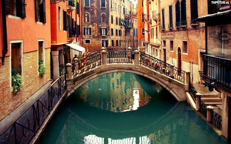 Wenecja - miasto na północy Włoch przez które płynie woda