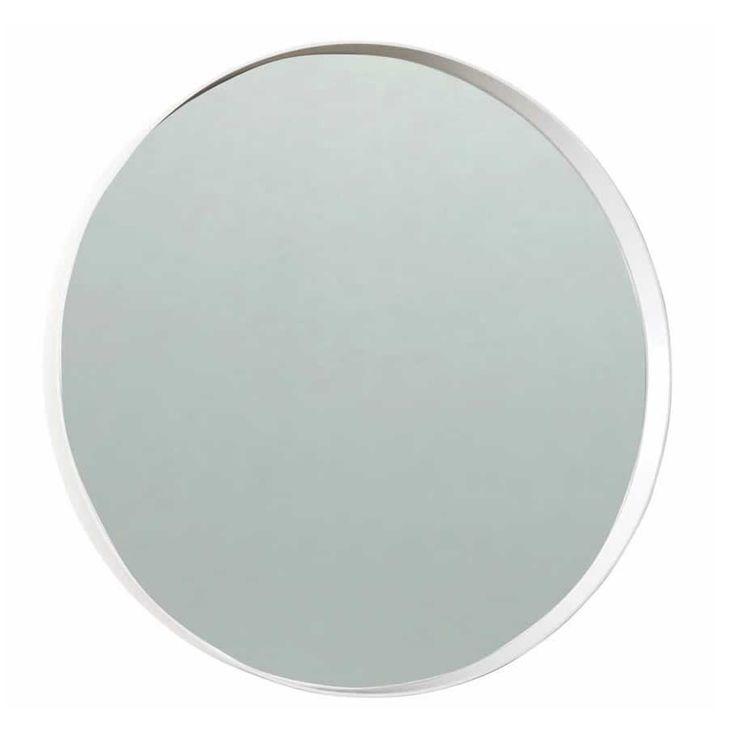 Scherlin har tillverkat denna runda spegel i lackad MDF. Spegel 9 går att få i vitt eller svart och i två olika storlekar. Denna stilrena spegel hänger fint i hemmets alla rum.