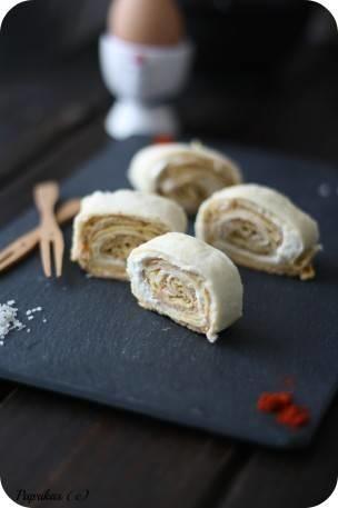 Wraps roulés à l'Omelette, Fromage et Pesto Rouge – Paprikas