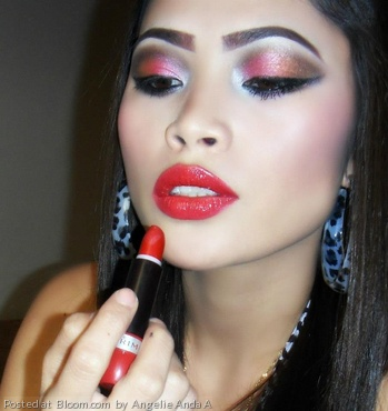 By Angelie Anda A. Holiday look @bloomdotcom