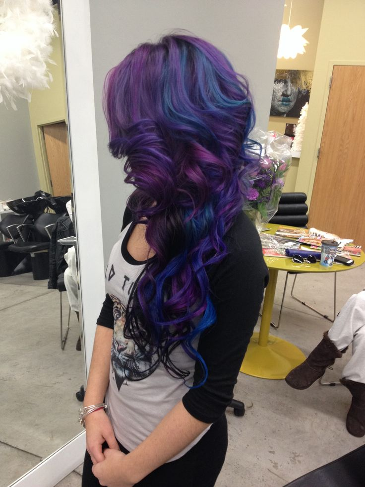 Goldwell, elumen, Kms, nikkirunswithscissors at mbstudiosalon the talented miss Nikki did this one! Love the Kms army at work