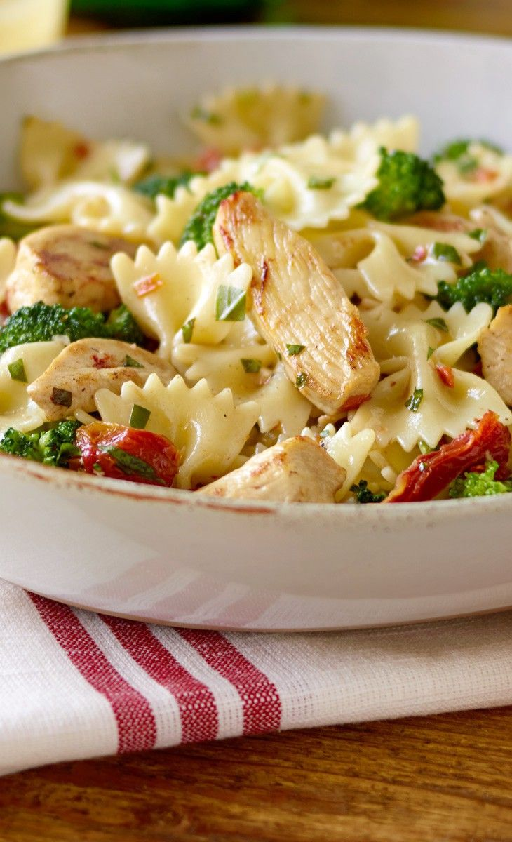 Easy Pasta with Chicken and Broccoli   Hunger   Pinterest ...