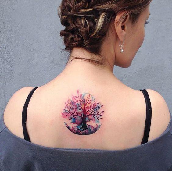 Foto Tatuaggio Albero della Vita colori acquerelli - Lei Trendy