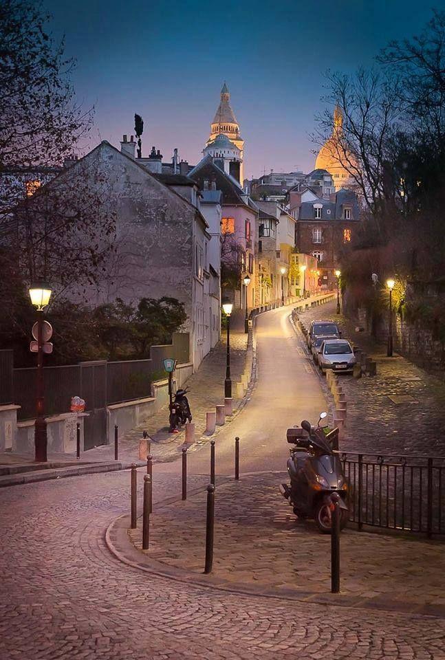 Montmartre by night, Paris XVIII, France