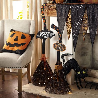 854 best this is halloween decor images on Pinterest Halloween - halloween decoration rentals