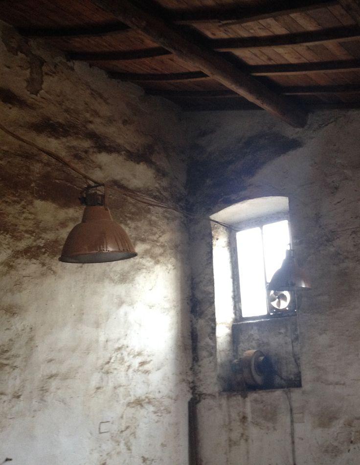 Anche in questo spazio, come nel capannone dove adesso è installato il nostro ufficio, ha lavorato per decenni un falegname