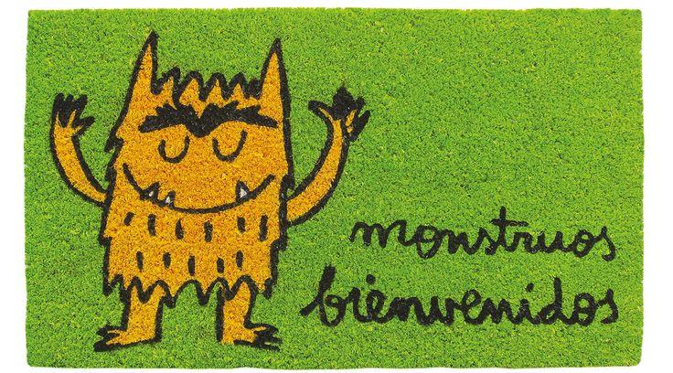 Felpudo Monstruos bienvenidos, del Monstruo de Colores. Un felpudo original y muy colorido perfecto para regalar. Con diseño de Anna Llenas, y lo tenemos en Decocuit, regalos y decoración en Burgos y también en www.decocuit.com.