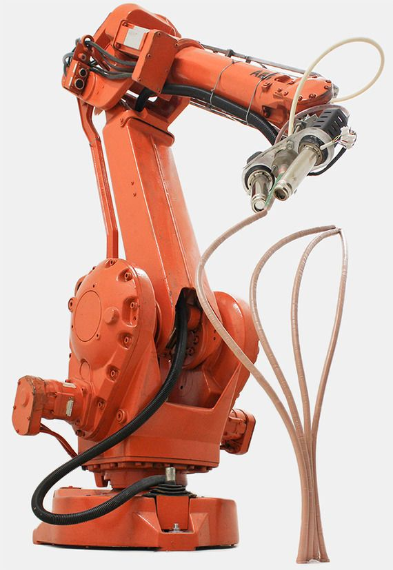 Robotic arm can draw any shape and color it on the fly in 3D. Pics + video here -> http://fineprintnyc.com/blog/robot-arm-draws-and-colors-in-3d
