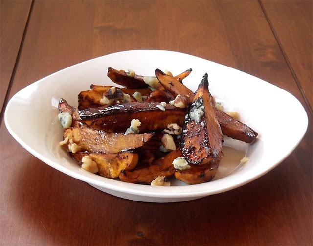 roasted balsamic sweet potatoes: Balsamic Roasted Sweet, Side Dishes, December 2011, Balsamic Sweet, Potatoes Dishes, Balsamicroast Sweet, Blog Food, Roasted Sweet Potatoes, Vegetables Recipes