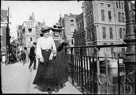 Photo: George Breitner, Amsterdam an early pioneer of street photography.