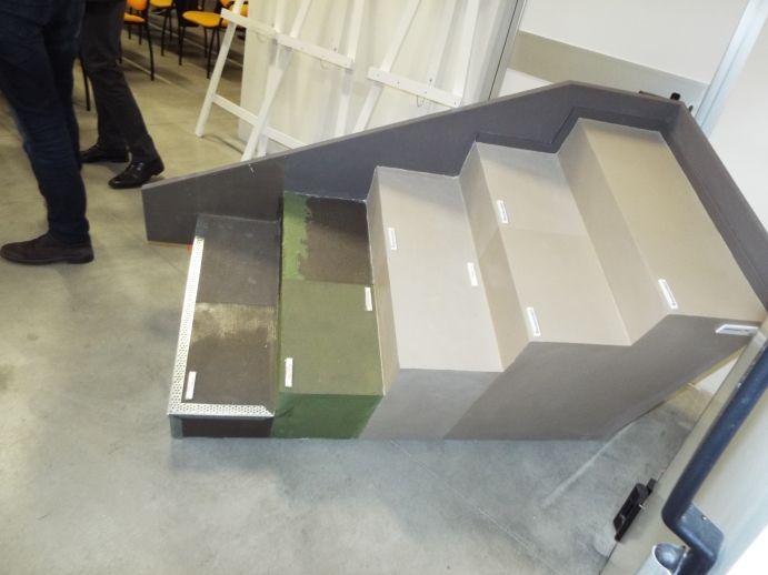 Esempio di scala rinnovata con rivestimento in resina. www.stanzedautore.it