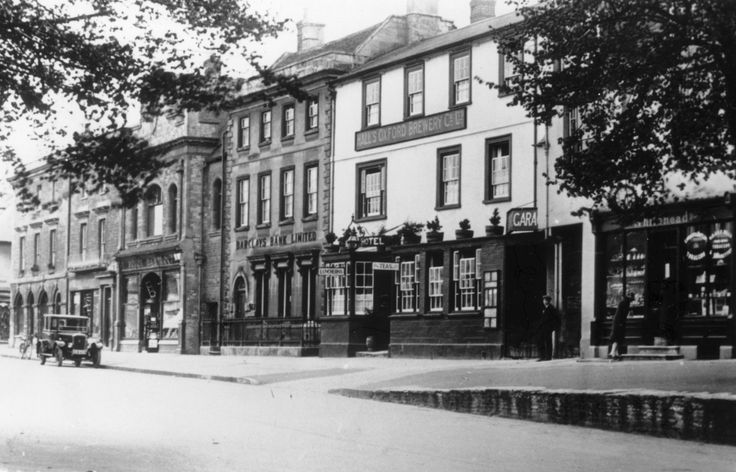 The Blue Boar, Witney from across square in 1930. Image supplied by Witney & District Museum