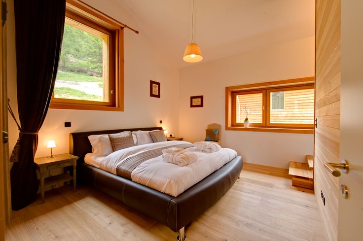 Welcome to Chalet Chloe and Chalet Esprit – our brand new chalets in Saas Fee, Switzerland http://www.leotrippi.com/en/winter/d_158/switzerland/saas-fee.html #switzerland #swissalps #skichalet #chalet #skiseason #skiing #saasfee