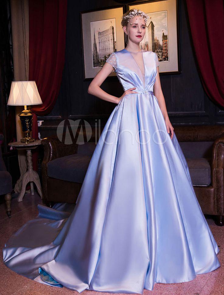 成人式フォーマルドレス ベビーブルー プリンセスライン Vネック トレーン付き 半袖