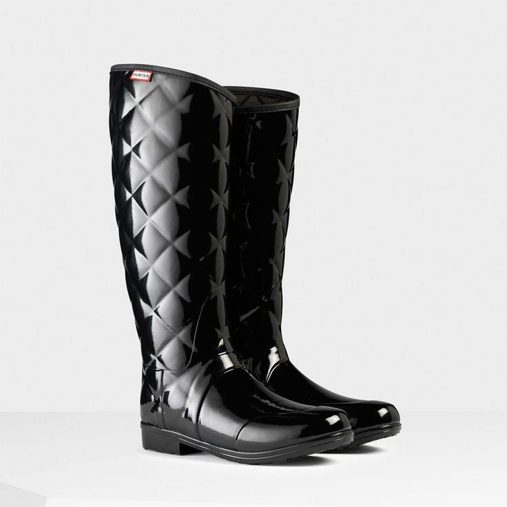 c2823c1525f Hunter Ladies  Regent Sandhurst Savoy Wellington Boots - Black The Regent  Sandhurst Savoy has a luxurious quilted yet sleek and streamlined upper leg  which ...