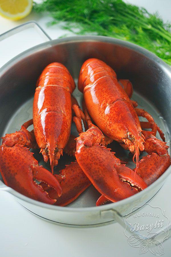 Aby dobrze ugotować homara należy pamiętać o kilku zasadach, które pozwolą nam przyrządzić skorupiaka idealnie. Gotowany homar jest przepyszny!