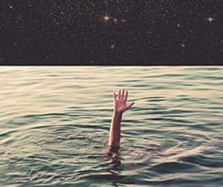 În general, visele în care te îneci sau eşti înecat reflectă faptul că eşti copleşit de emoţii negative şi griji, depresie şi durere, eşti m...
