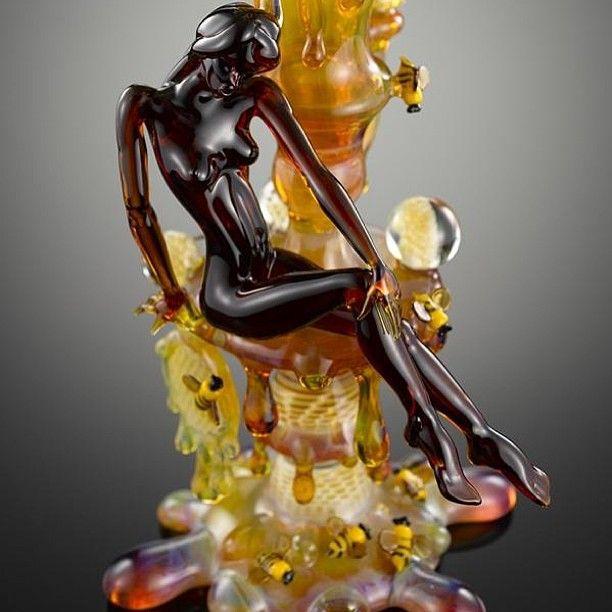 We love this Joe P x Ram (Robert Micklesen) functional glass piece!  #oilslick #oilslickpad #oilslickstyle #oilslickdabs #710 #bho #errl #dabs #hash #bubble #glass #functionalglass #glassart #honey #lady #maryjane #mmj #cannabis #cannabisconcentrates #kush #ganja #cheeba