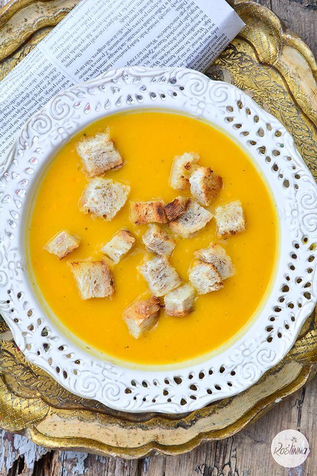 Roślinna : Zupa krem z dyni i słodkich ziemniaków