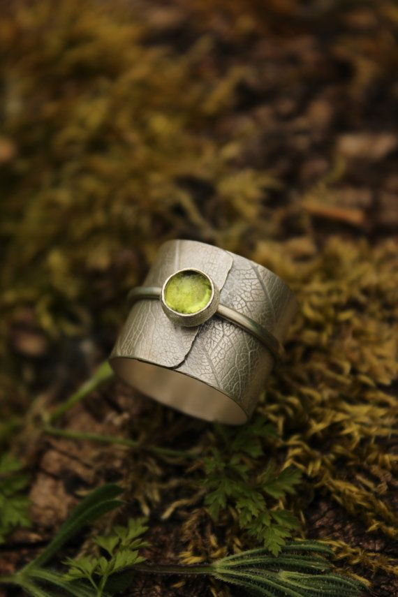 "Ring ""Fëanor"" sterling silver peridot stone"