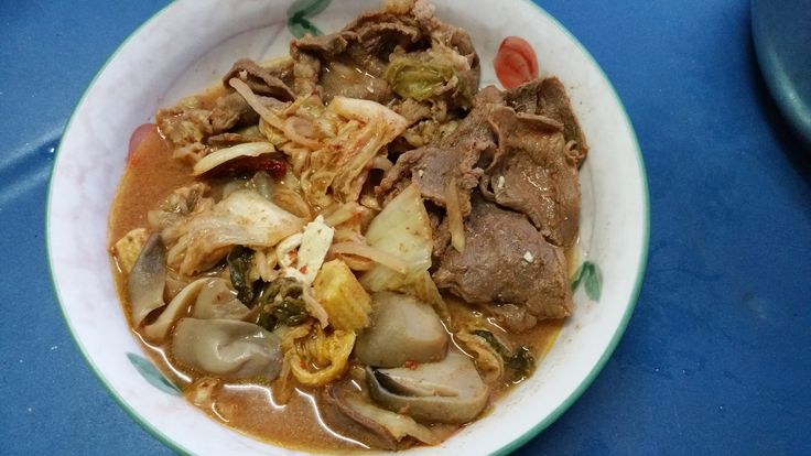 Kimchi soup with beef slices
