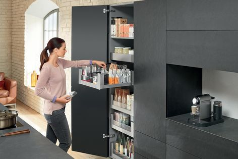 The LEGRABOX free system with a glass design element, in Blum's practical SPACE…