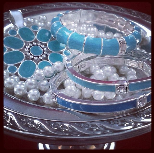 Display Idea Show Off Your Colored Bracelets Rings And Pendants By Layering Them Over Your Pearl Necklaces Premier Designs