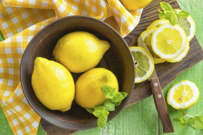 Il limone gode di proprietà digestive, depurative e disintossicanti