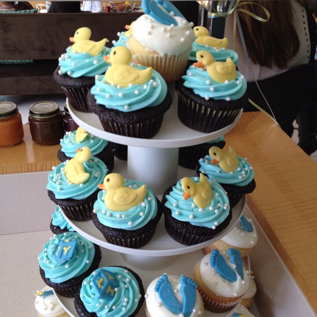 best baby shower cakes boys images on   cup cakes, Baby shower invitation