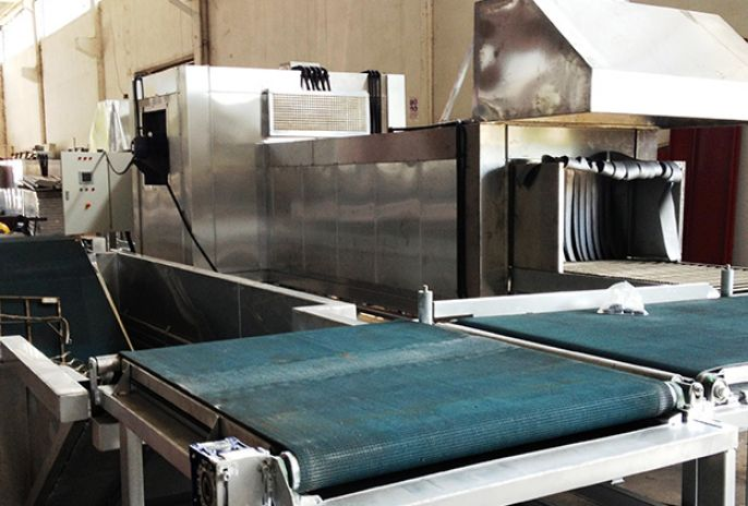 Szállító szalag, sík felületű munkadarabok szállítására! http://industry-t.com/product/gorgopalya-szallito-szalag/