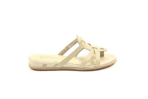 Timberland  € 89,95  Timberland slipper. met een comfortabel voetbed in een mooie beige kleur  Model: 27662-Twill